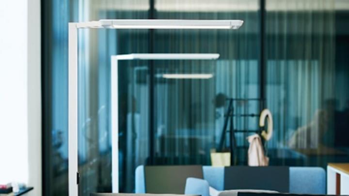 Leuchten wie die smarte YARA von Waldmann lassen sich durch die Kooperation mit der Deutschen Lichtmiete jetzt auch mieten.