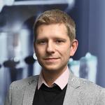 Tobias Thelemann ist Produktmanager mechanische Bauelemente und Automatisierungstechnik bei Reichelt.