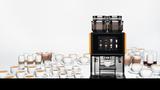 Der WMF 9000 S+ Kaffeevollautomat ist Experte für Milch in neun verschiedenen Varianten.