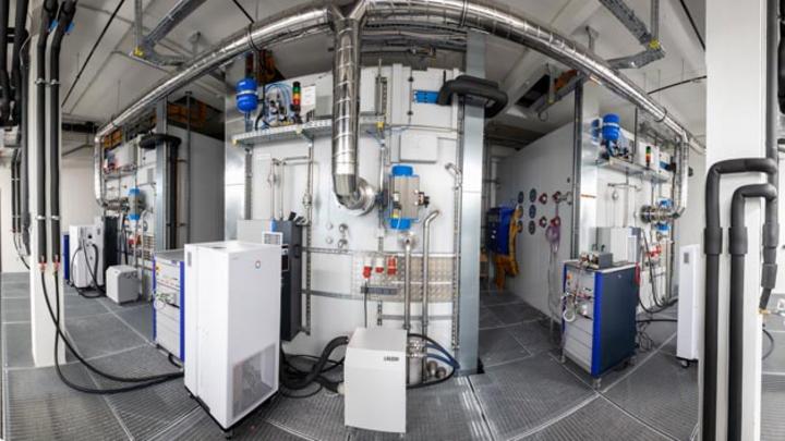 In den Klimakammern am BSCG werden Batteriesysteme während des Lade- und Entladevorgangs auf Herz und Nieren geprüft.