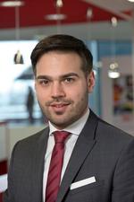 Harun Özgür Der 33-jährige Wirtschaftsingenieur (B.Eng.) hat die LED-Sparte von Würth Elektronik eiSos aufgebaut und ist seit 2017 Division Manager Optoelectronics. Er ist verantwortlich für die innovativen optischen Technologien. Zuvor war er Produk