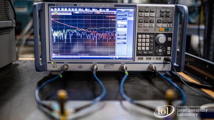 Rohde & Schwarz unterstützt das UNH-IOL bei Automotive-Ethernet-Testing-Services gemäß OPEN Alliance TC9-Testspezifikation.
