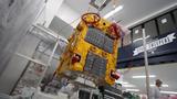 Der von Astroscale entwickelte Satellit, der im März 2021 in seine Umlaufbahn geschossen werden wird, demonstriert zum ersten Mal live, wie sich Weltraumschrott einsammeln lässt.