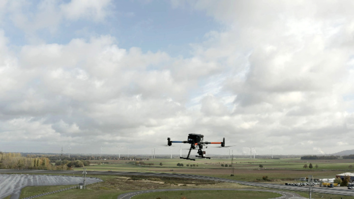 Vodafone testet den Einsatz von Drohnen im 5G Netz.