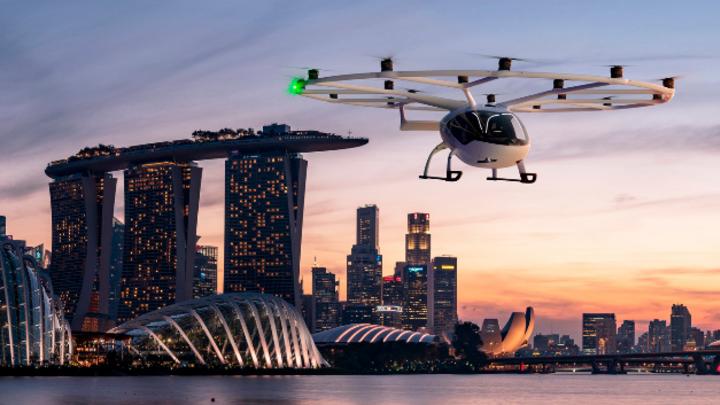 Im Oktober 2019 führte Volocopter einen ersten Testflug in der Marina Bay durch.