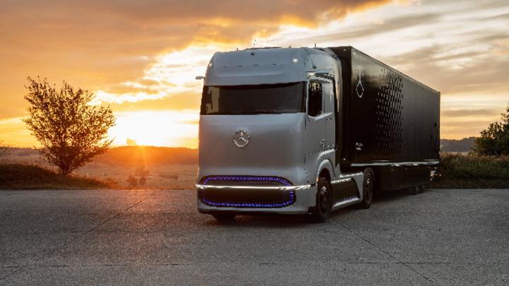 Das Tanken von Wasserstoff soll einfacher werden: Linde und Daimler Truck kooperieren bei Flüssigwasserstoff-Betankungstechnik für Lkw.