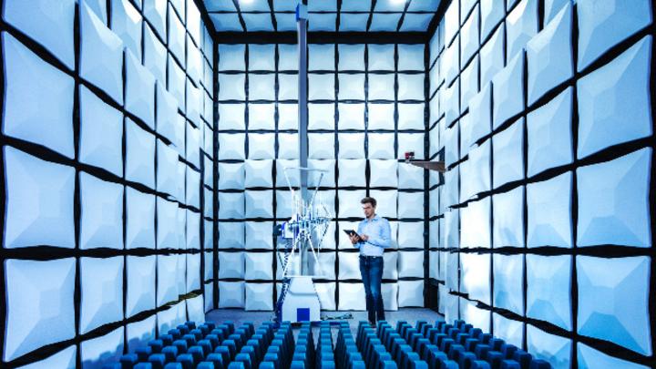Seit sieben Jahren organisiert Rohde & Schwarz die Demystifying EMC im Vereinigten Königreich - 2021 wird sie erstmals rein virtuell stattfinden.