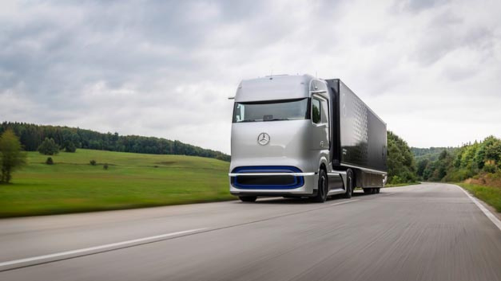 Für die Interessensgemeinschaft H2Accelerate ist der Startschuss gefallen - alle Beteiligten wollen die Wasserstofftechnologie im Nutzfahrzeug forcieren.