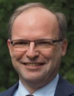 Ein Team um den TUM-Chemiker Prof. Dr. Roland Fischer hat ein neuartiges, leistungsfähiges und dabei nachhaltiges Graphen-Hybridmaterial für Superkondensatoren entwickelt. Es dient als positive Elektrode im Energiespeicher.