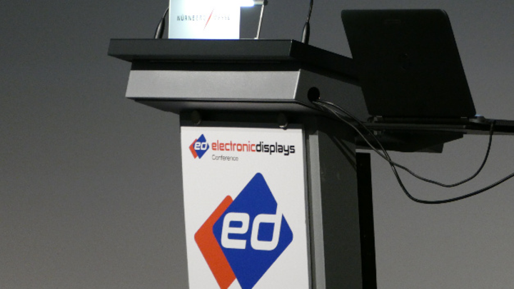 An diesem Rednerpult haben schon viele prominente Referenten der Display-Branche gestanden. 2021 tauschen sie es gegen ein Videokonferenz-Tool aus.