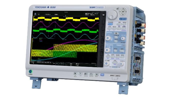 ScopeCorder DL950 mit 8 seitlichen Messmodul-Einschüben und 12,1 Zoll Touch-Display.