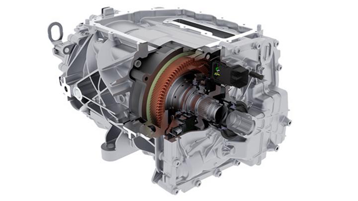 Der 800-V-Motor erzielt einen Spitzenwirkungsgrad von 97 %.