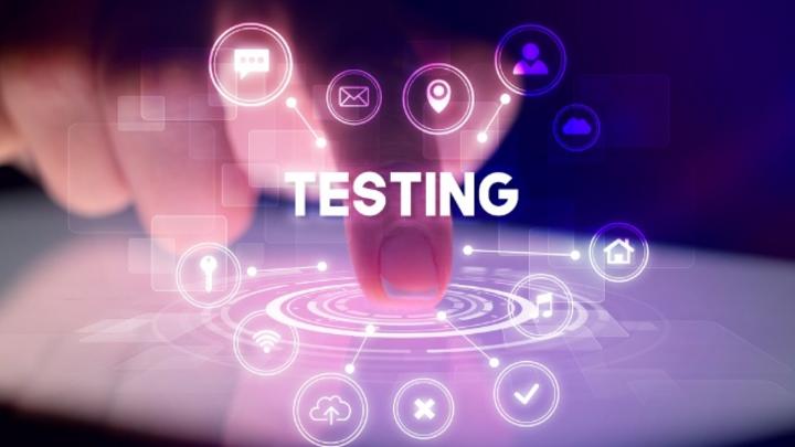 Mit dem Einzug von Beständigkeitstests werden Displays nach Anforderungen getestet, die sich aus konkreten Anwendungen ergeben - damit benötigt der Display-Hersteller Zugriff auf Anwendungswissen der Display-Produktentwickler.