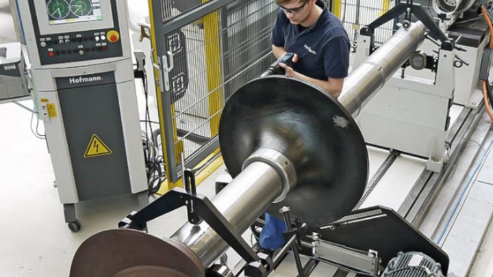 Industrie-Partner validieren die Praxistauglichkeit der neuen Anwendungen.