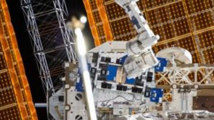 """Das mit Hilfe des 3D-Druckers """"DragonFlay LDM"""" von Nano Dimension hergestellte HF-Modul für den Einsatz in Nanosatelliten wird ab sofort über sechs Monate auf der ISS getestet."""