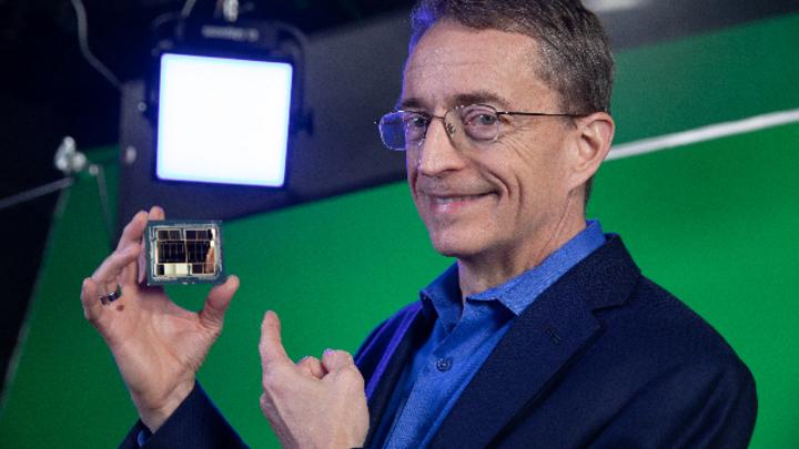 Pat Gelsinger, CEO von Intel, ist überzeugt, im Rahmen der »IDM 2.0«-Strategie zum Wettbewerb wieder aufschließen und als IDM plus eigener Foundry-Einheit eine einmalige Kombination für den Entwicklung künftiger Chipgenerationen bieten zu können.