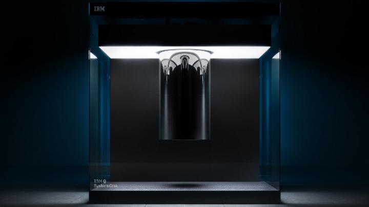 An einem IBM Quantum System One können Industrie und Forschung jetzt unter deutschem Recht anwendungsbezogene Quantensoftware entwickeln, sie testen und ihre Kompetenzen ausbauen.