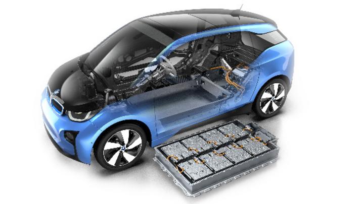 HV-Batteriespeicher im Bauraum der Unterbodenstruktur eines BMW i3.