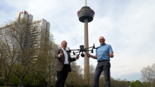 Droniq-CEO Jan-Eric Putze (links) und Klaus Runde, Leiter IT-Produkte & Projektleiter Drohnentechnologie der DFMG.
