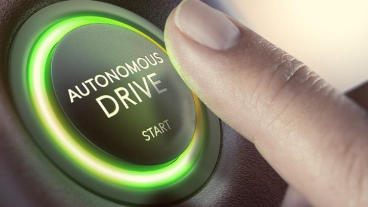 Die Deutschen sind in der Mehrheit noch skeptisch gegenüber dem autonomen Fahren eingestellt.
