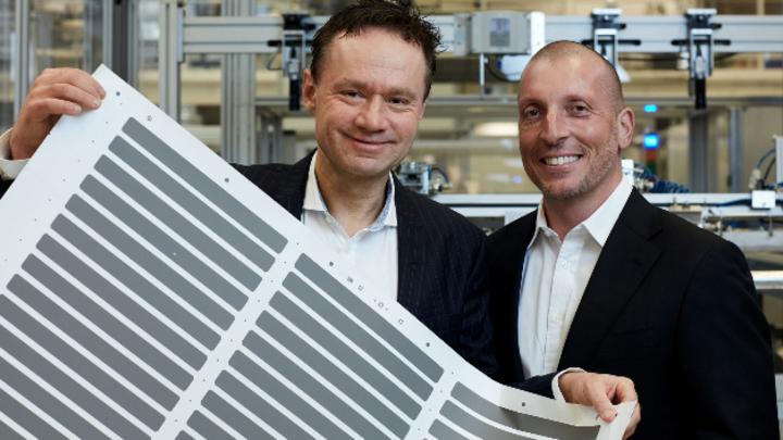 Henrik Lindström und Giovanni Fili haben den Europäischen Erfinderpreis 2021 erhalten, weil sie die Grätzel-Zellen marktreif gemacht haben. Jetzt können sich IoT-Geräte autonom über Energy Harvesting mit Strom versorgen.