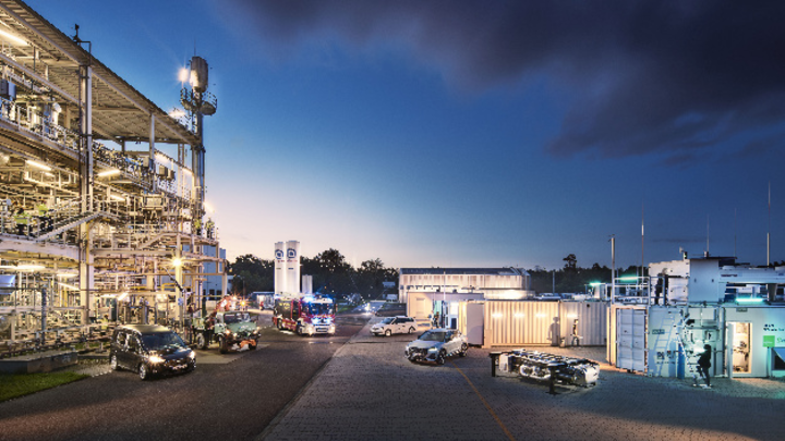 Die Anwendungsmöglichkeiten von reFuels reichen von Pkw über Spezialfahrzeuge bis hin zu Bahnantrieben.