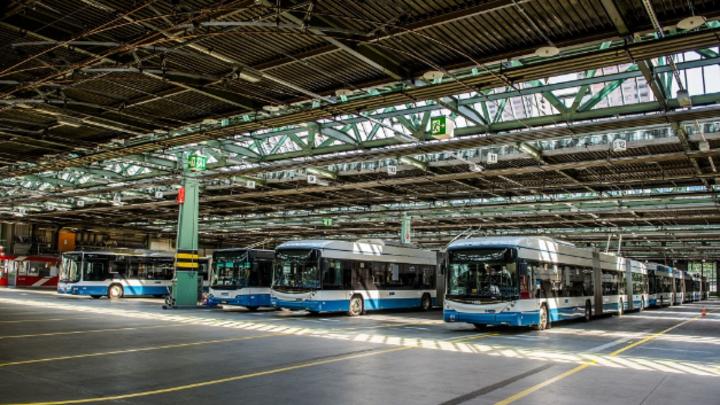 Die Siemens-Ladeinfrastruktur für die neuen eBusse der VBZ wird im Untergeschoss der Busgarage Hardau installiert.
