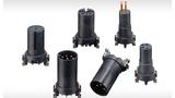Bild1. Erni hat ein Baukastensystem für M8/M12-Rundsteckverbinder entwickelt, das besonders flexibel einsetzbar ist. Die Rundsteckverbinder haben so robuste SMT-Anschlüsse, dass sie als Schüttgut verpackt und zugeführt werden können.
