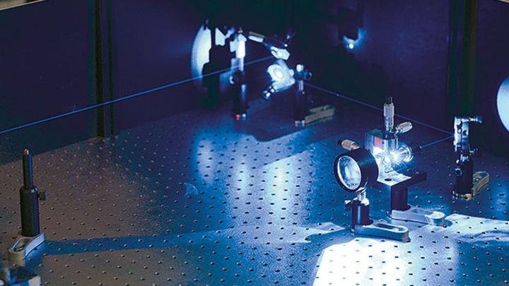 Neuer Ansatz im Lichtmanagement. Multifunktionale Nanostrukturen zur Lichtlenkung und -streuung