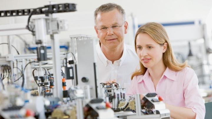 Das Industrie-4.0-Trainingscenter von Bosch Rexroth in Ulm hat mit Start des neuen Ausbildungsjahres im September 2021 den Betrieb aufgenommen.
