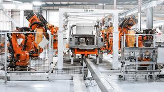 Die Software-Plattform iiQoT von Kuka ermöglicht es, komplette Roboterflotten in der Industrie auch aus der Ferne zu überwachen und zu optimieren.