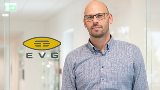 Dr. Thomas Uhrmann, Business Development Director von EVG: »Über die Zusammenarbeit mit Applied Materials erhalten wir tiefes Verständnis über die gesamte Prozesskette, was es uns erlaubt, unser Wafer-to-Wafer-Hybrid-Bonding optimieren zu können.«