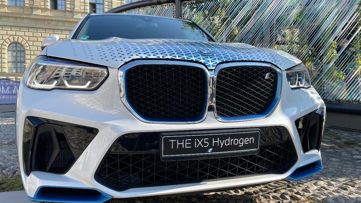 Elektromobilität IAA München 2021 BMW Wasserstoff Alternative Antriebe Elektronik automotive