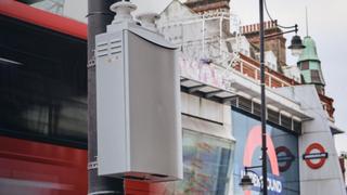 Die Sensoren messen Schadstoffe wie NOx, O3 und Feinstaub.