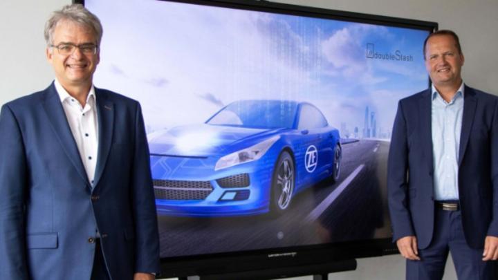 Dr. Dirk Walliser, Entwicklungsleiter des ZF-Konzerns, und Konrad Krafft, Geschäftsführer von doubleSlash.