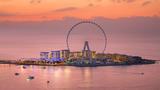 Das Riesenrad »Ain Dubai«, das größte Riesenrad der Welt, geht am 21 Oktober auf der künstlich aufgeschütteten Insel »Bluewaters« in Dubei in Betrieb.