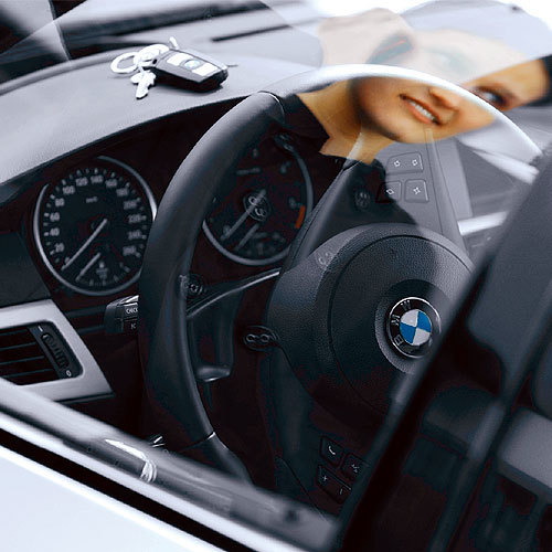 Bild 3. Liegt der Schlüssel im unglücklicherweise verriegelten Fahrzeug, kann der Fahrer dieses nun unkompliziert über das BMW Callcenter öffnen lassen.