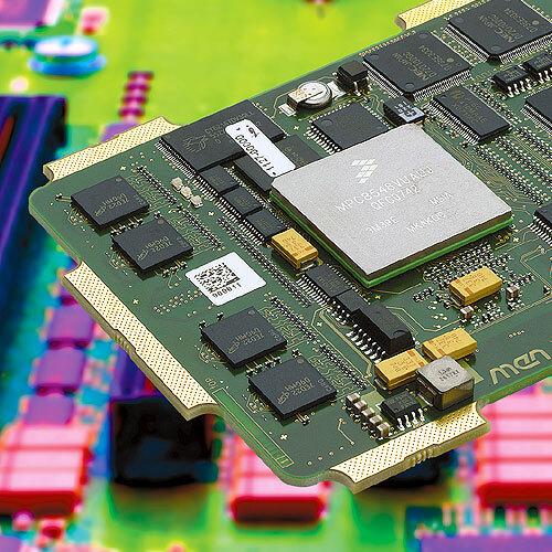 Bild 4. Das Modul XM50 enthält einen PowerPC-Prozessor mit e500-Kern sowie viele Kommunikationsschnittstellen, die alle im Chip integriert sind. Alle diese Schnittstellen werden über den Steckverbinder nach außen geführt.