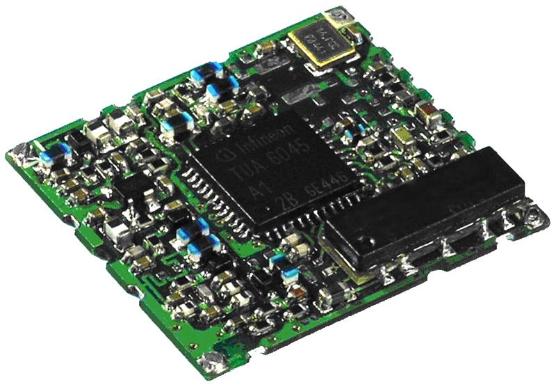 Bild 2: Referenz-Tuner mit den Bausteinen von Infineon. Das Referenz-Board misst ungefähr 20 mm x 20 mm.