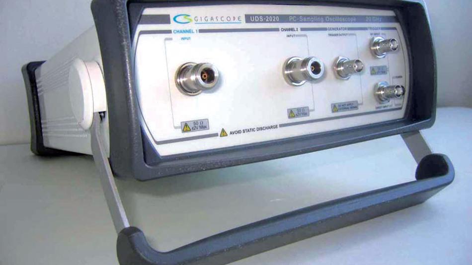 Bild 7. Ein Sampling-Scope für USB-Anschluss, das auch in höheren Geschwindigkeitsbereichen zum Einsatz kommen kann: UDS-2020. (Foto: Hacker)