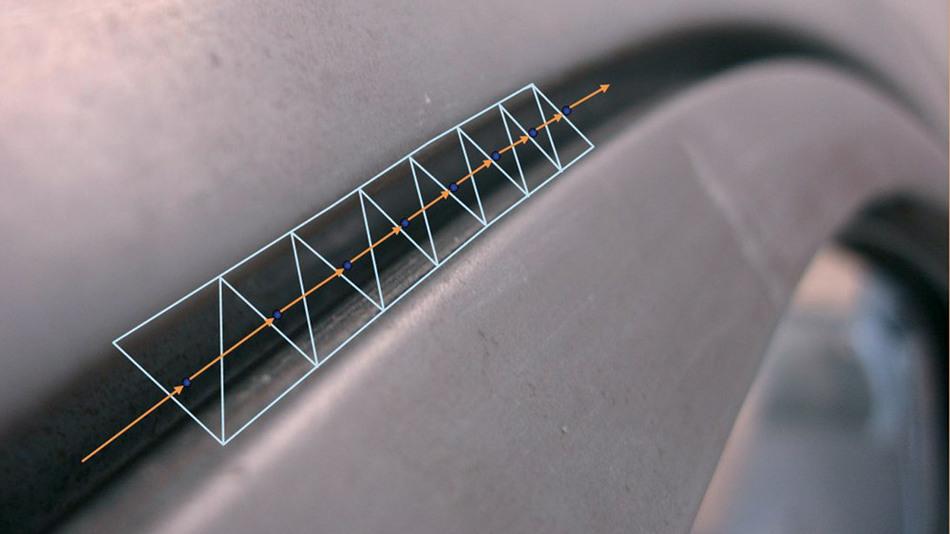 Kette von Spaltdreiecken, die an einem realen Türspalt gewonnen werden. Jedes Dreieck liefert einen Spaltmitten-Vektor. Aus mehreren Spaltmittenvektoren lässt sich das nächste Bahnsegment für den Roboter errechnen.
