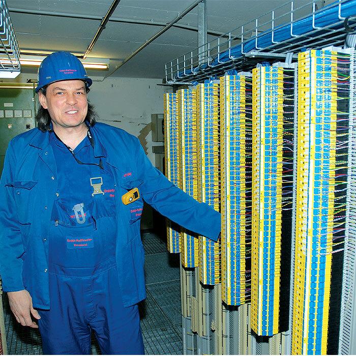 """Holger Nitschke, BP Lingen: """"Neben dem Preis-Leistungs-Verhältnis sind mir die einfache Bedienung und die kleine Bauform wichtig, denn der Platz in der Messwarte ist teuer."""""""