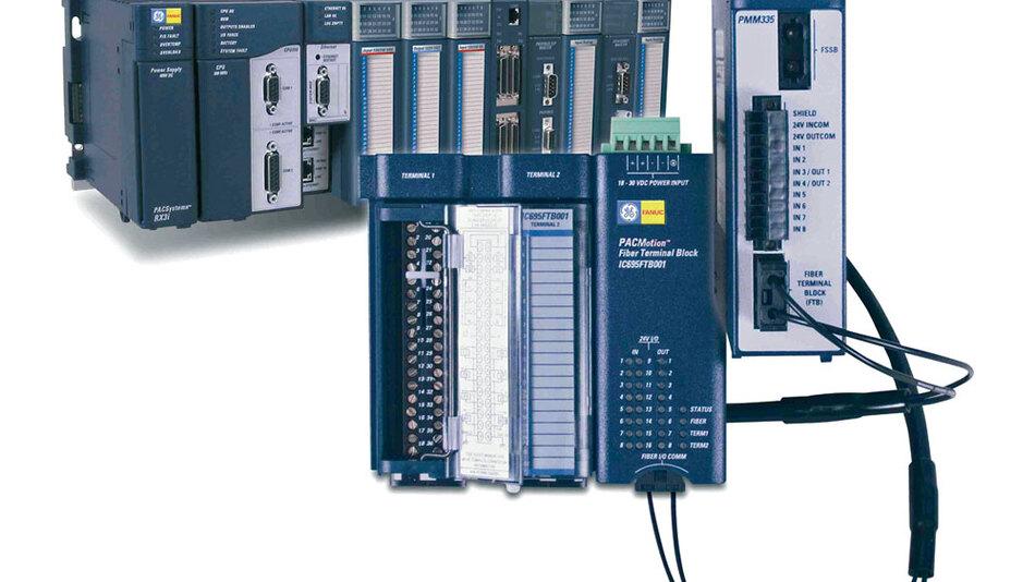 Bild 2. PACMotion setzt sich zusammen aus der SPS PACSystem, dem Motion-Control-Modul PMM335, einem E/A-Modul mit Fiberoptic-Interface und den Fanuc- Servosystemen Beta-is und Alpha i (letztere nicht im Bild).