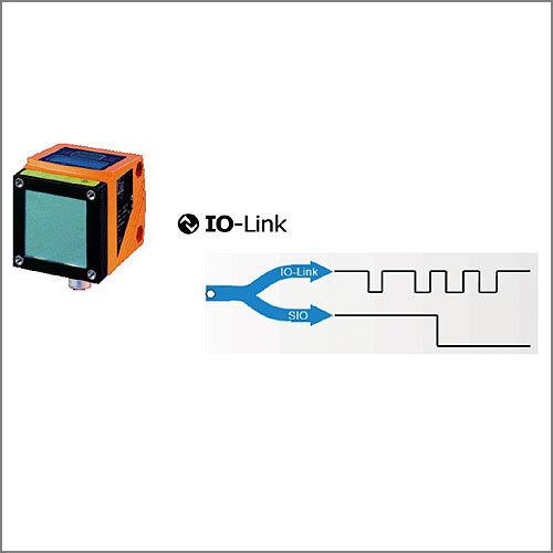 Bild 1: Kommunikationswege bei IO-Link: Basis der IO-Link-Schnittstelle ist die 3-Leiter-24-V-Anschlusstechnik für Sensoren.