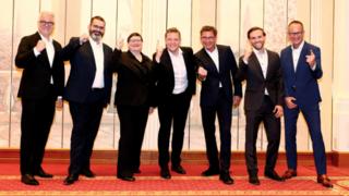 Von links: Christoph Lösch (Estos) Thomas Weiß (TeamFON), Barbara Mauve, Florian Buzin, Jürgen Signer (alle Starface), Michael Brand (Maxburg), Florian Bock (Estos).