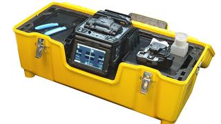 Opternus 90s_Koffer oeffnen und einsatzbereit