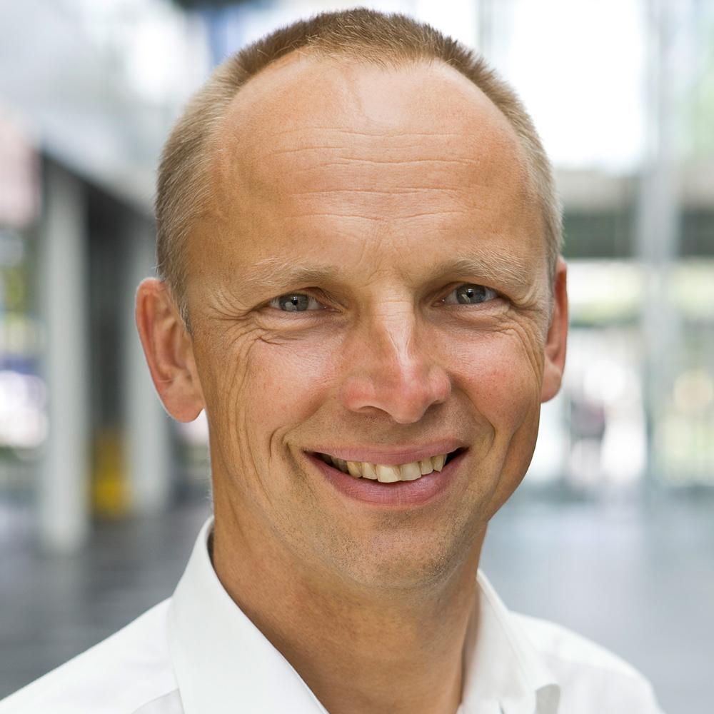 Dr. Ernst Flemming, Rohde & Schwarz